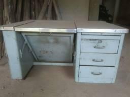 Mesa para escritório de aço