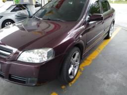 Astra 2003 87 mil km troca em automático....rodas 17 pneus novos e doc 21 pago.....