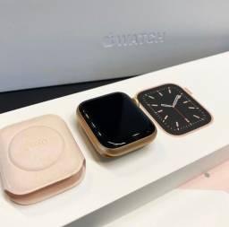 Título do anúncio: Apple Watch s6 44mm Rose novo