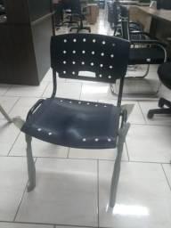 Cadeira Fixa preta empilhável escritório novas revenda