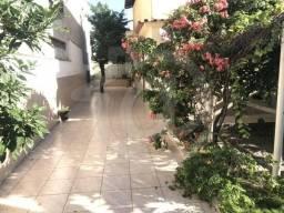 Casa em guaranhuns com 3 vgs e quintal