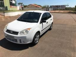 Fiesta Sedan 1.0 com ar condicionado, super conservado - 2008