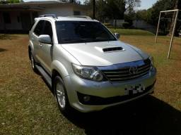 Toyota Hilux SRV SW4 7 Lugares - 2012
