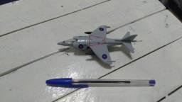 Avião de metal do caça naval britânico Sea Harrier, novo, só R$ 25,00