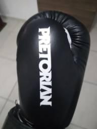 Luva de boxe, muay Thay, kick boxing