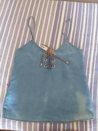 Blusinha Jeans com detalhes
