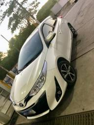 Toyota Yaris 1.5 Hatch 2019 + Kit de GNV novo Tabela fipe - 2019