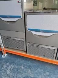 Máquina de gelo em cubos 100/60 lts - Nova