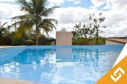 Linda chácara a beira lago, c/2 suítes e piscina c/hidro, em Caldas Novas. Cód 1031