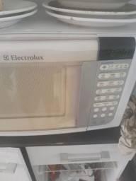 Conserto seu micro-ondas
