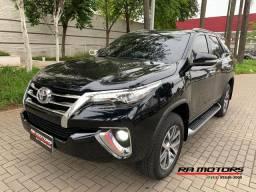 Toyota hilux sw4 2.8 srx 2017 turbo diesel 7 lugares 4x4 unico dono
