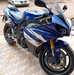 Moto R1