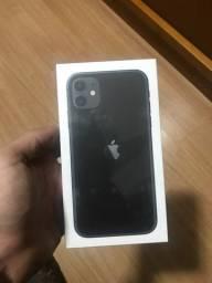 Vendo iPhone 11 de 64 gigas lacrado com nota fiscal!