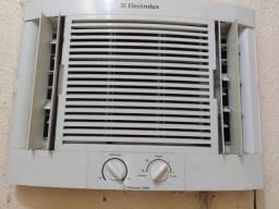 Título do anúncio: Ar-condicionado electrolux