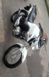 Moto 160 de garagem