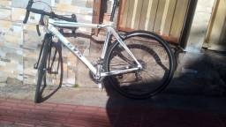 Speed ... GTS R 5 ...