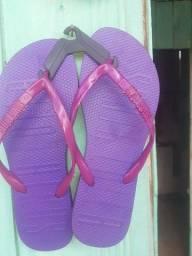 Vendo essas sandalias