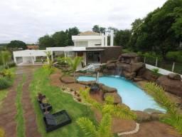 Título do anúncio: Casa com 5 dormitórios à venda, 715 m² por R$ 3.999.000 - Condomínio Estância Amendoeiras