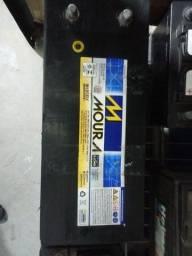 Título do anúncio: Baterias de Caminhão Seminovas Moura 150Ah / 180Ah