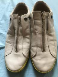Sapato da Colcci bem conservado N°43.