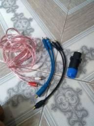 Título do anúncio: Vendo cabo RCA cabos ypesolom uma toma RCA leia descrição