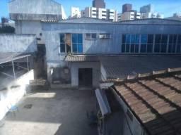 Título do anúncio: Ótima Casa Comercial em Localização Privilegiada, em Santos