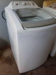 Título do anúncio: Máquina de Lavar Roupas Electrolux