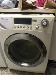 Máquina de lavar roupa Lava e seca eletrolux
