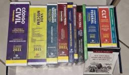 Título do anúncio: COLEÇÃO DE DIREITO 2021 - 12 Livros