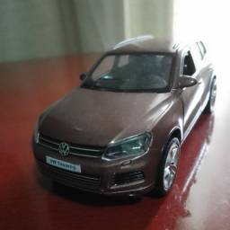 Título do anúncio: Miniatura Volkswagen toureg 1/36