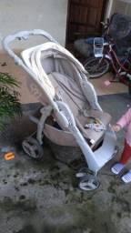 Carrinho de bebê 150 RS.