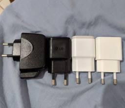 Conector de carregadores na tomada