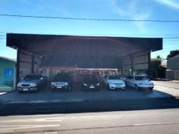 Vende- se Ponto comercial com casa na avenida Goiás.