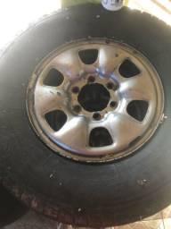 Jogo de Rodas de s-10 com pneus