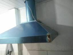 Coifa industrial de acordo com seu espaço