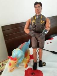 Título do anúncio: Boneco Articulado Max Still e Dino Triceráptor