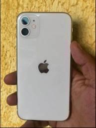 Vendo iPhone 64gb 11 ainda na garantia