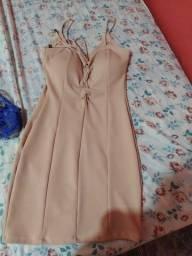 Vendo 2 vestidos 100 reais cada