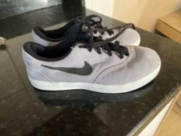 Tênis Nike 34 (usado)