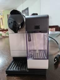 Maquina de Café Nespresso Latissima