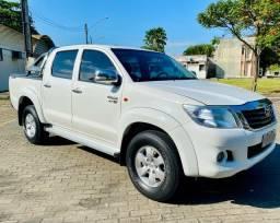 Título do anúncio: Toyota Hilux 2.7 Automático Completo 2013  ( Ent. Mais 60x R$ 1385,00)