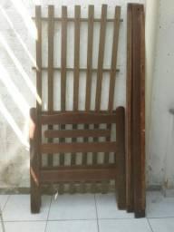 Vende-se cama de madeira em perfeito estado