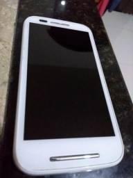 Vendo um Smartphone Motorola Moto E1 semi-novo