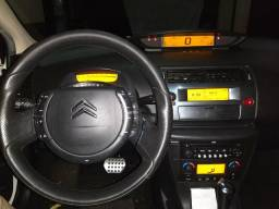Citroen C4 Hatch Exclusive - 2012