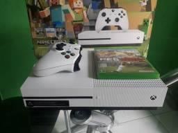 Xbox One S 500GB + 4 Jogos