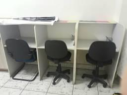 Bancada com cadeiras