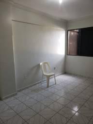 Kitinet disponível para aluguel na Av Presidente Getúlio Vargas por R$ 400,00