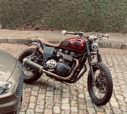 Triumph Bonneville T100 Scrambler Única !