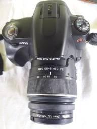 Vendo maquina fotográfica profissional Sony com acessórios  e bom estado de conservação