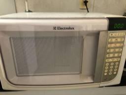 Vendo microondas Elextrolux usado! Apenas venda.